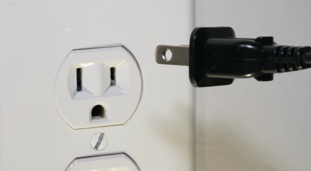 How to Tell if Your Outlets are Grounded